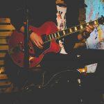 ギターストロークでプロ並みの響きを実現する3つのコツ